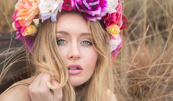Couronne de fleurs : Le shoot de Lola de A à Z