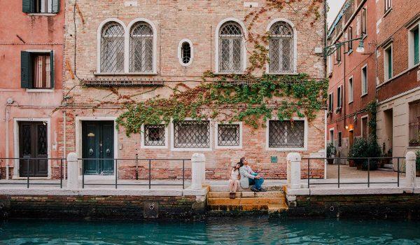 3 raisons de réaliser sa séance de couple à l'étranger