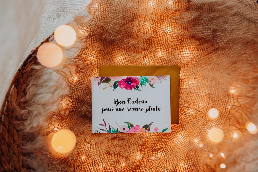 carte cadeau avec de jolies lumières